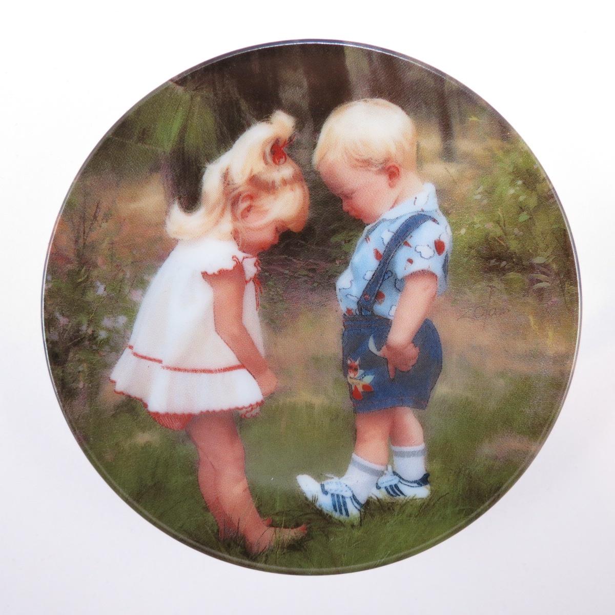 Декоративная тарелка Pemberton & Oakes Любимый детский художник Америки, 91451018