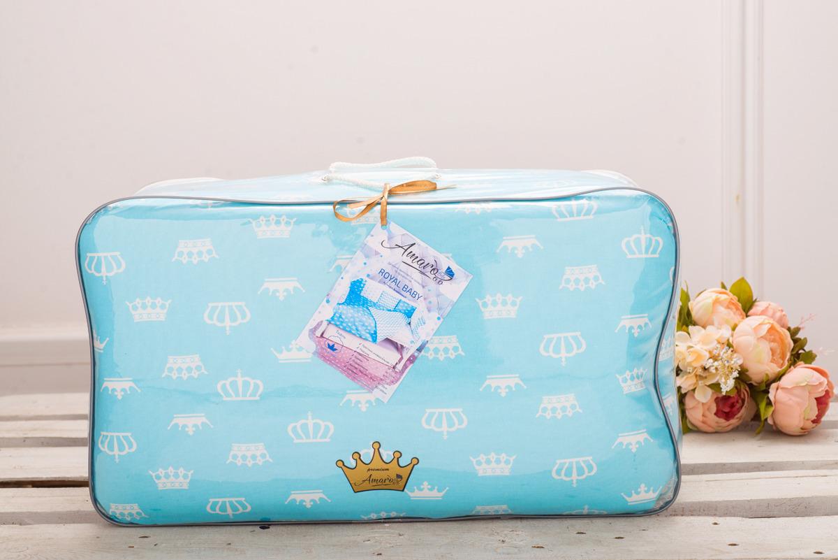 Комплект постельного белья детский AmaroBaby Royal Baby Premium, бязь, бирюзовый, 18 предметовROYAL BABY Premium (бирюзовый)Royal Baby Premium идеально продуман для подарка, ведь он уже упакован в премиальную упаковку! Комплекты детского постельного белья AmaroBaby выполнены из натурального и гипоаллергенного материала, мягкого и приятного на ощупь. Постельное белье не требует особого ухода, долго сохраняет первоначальный внешний вид. Швы выполнены особым образом, что помогает избежать дискомфорта малыша. Комплект в кроватку от AmaroBaby имеет универсальную простынь на резинке, подходящую как на овальный, так и на прямоугольный матрас, а также, простынь можно использовать и для круглого матраса. Российское производство. 100 % хлопок (бязь). – Борта представлены в виде 12 подушек - Простынь на резинке – Подушки-бортики на завязках - Большое количество расцветок – Отличное качество.