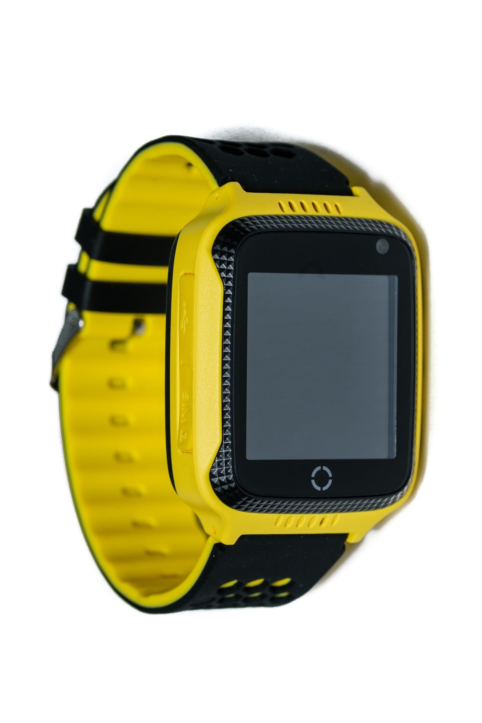 Умные часы для детей Indee D26C, желтый, черный настройка gps на htc