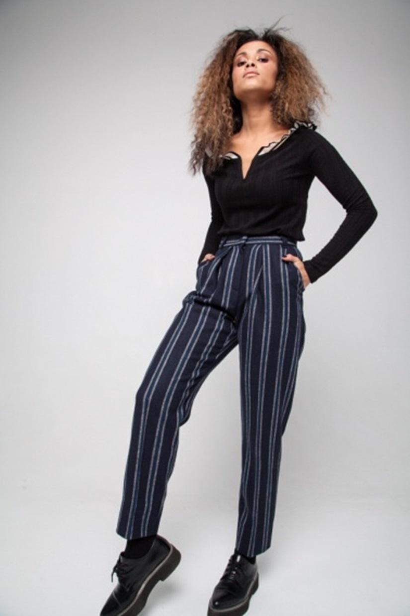 Брюки Moda di lusso pants moda di chiara брюки зауженные