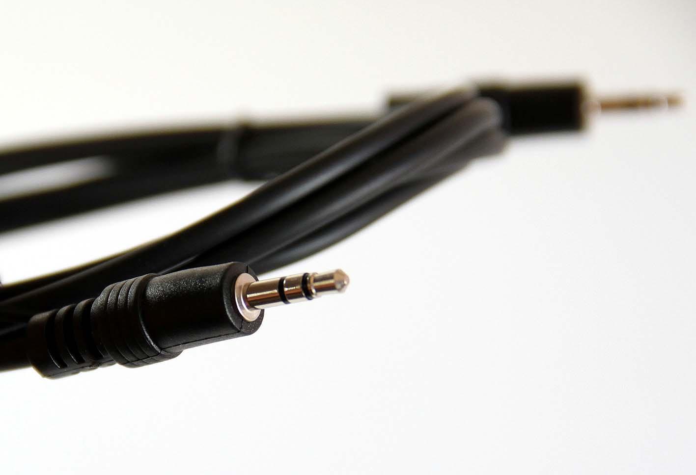 Кабель Pro Legend Jack 3,5 мм вилка - Jack 3,5 вилка, PL1053, черный, 3 м perfeo кабель jack 3 5 мм вилка jack 3 5 мм вилка длина 2 м j2103