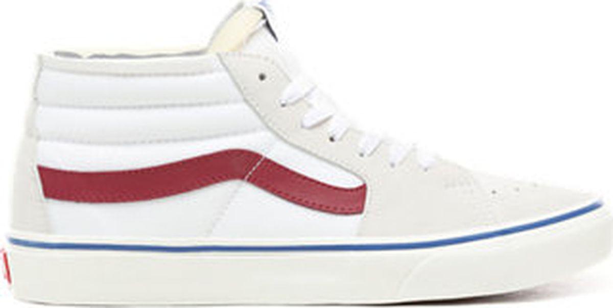 Кеды мужские Vans UA SK8-Mid, цвет: белый. VA3WM3VP3. Размер 8,5 (41)VA3WM3VP3Дебютная модель из легендарного наследия высоких кед Vans, впервые обеспечившая скейтбордическую обувь поддержкой стопы, свойственную атлетической. Однако внешний вид Sk8-Hi сделал их популярными не только среди скейтбордистов, но и среди музыкантов, художников и представителей контркультурного сообщества. Сегодня они предстают в их первозданном облике, с традиционным верхом из прочного канваса на фирменной вафельной подошве. В этой модели используется универсальная размерная шкала, которая совпадает с мужской. При выборе женского размера необходимо проверять соответствие в таблице размеров.