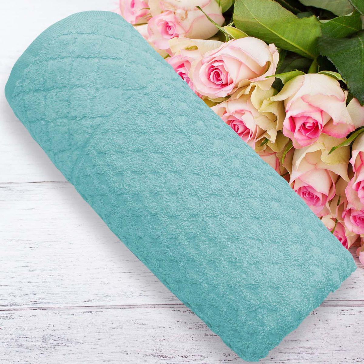 """Полотенце банное Amore Mio AST Rumba, цвет: изумрудный, 140 х 70 см2496Коллекция выполнена из чистейшего (100%) узбекского хлопка. Одно легкое касание - и ткань впитает всю влагу с Вашей кожи. Это благодаря тому, что пряжа изготовлена из сырья средней длины, что улучшает качество нитей и наделяет изделие уникальными впитывающими свойствами. Также, ткань обработана специальным способом """"мерсеризация"""", что придаёт изделию дополнительную мягкость. В процессе использования полотенца бережно массируют кожу, улучшая кровообращение, а их воздушная, мягкая текстура не вызывает раздражения. После первой же стирки изделие увеличивается в объеме, петли поднимаются и уплотняются, благодаря чему приобретается благородный вид. Яркость и насыщенность цвета обеспечивают высококачественные красители. Перед первым применением рекомендуется стирка. Не желательно стирать махровые изделия на больших оборотах и в режиме «экономия воды». Размерный ряд: 50*90 см и 70*140 см."""