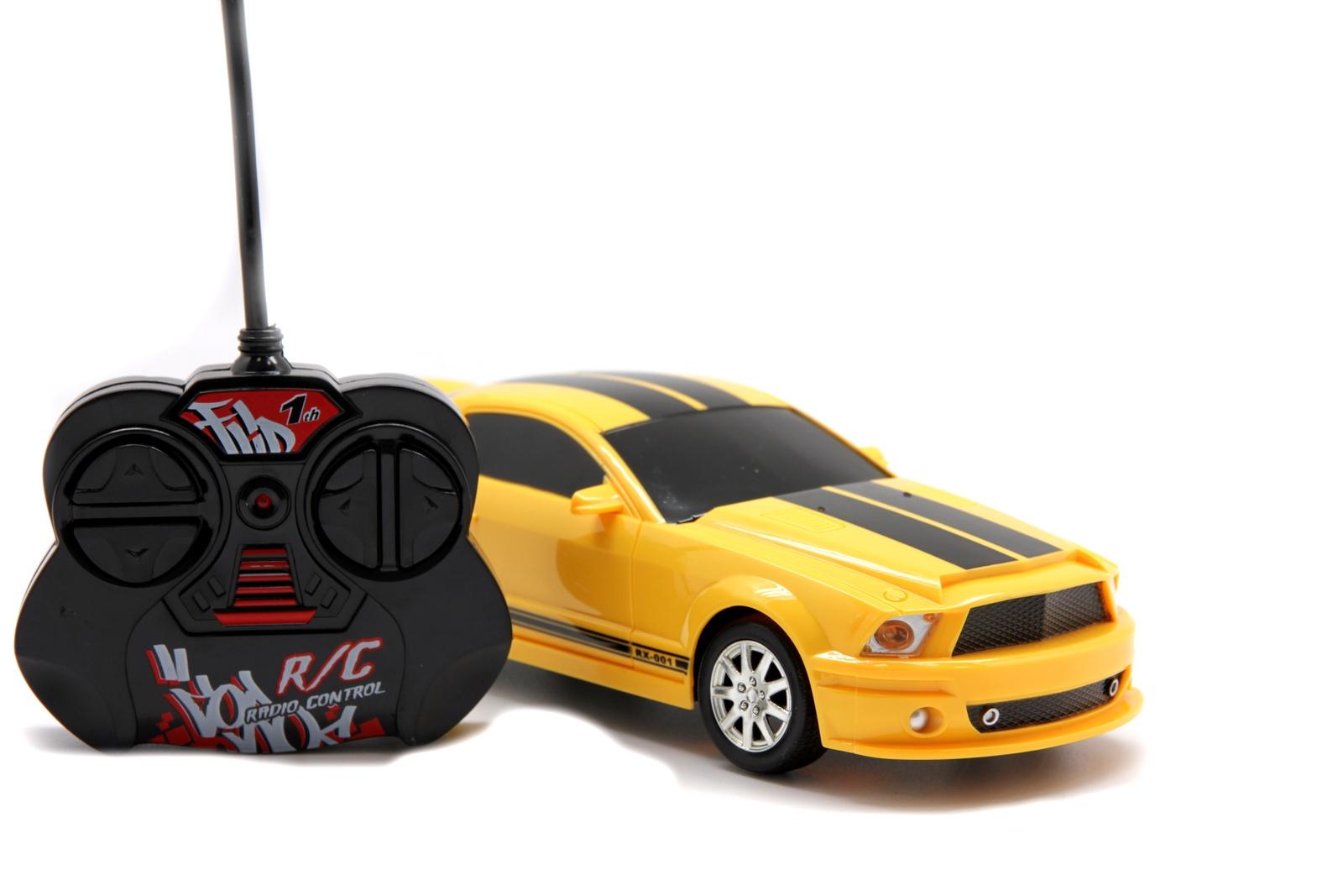 Машинка радиоуправляемая Balbi RCS-2001A, A0G1081628 желтый, черный автомобиль balbi автомобиль черный от 5 лет пластик металл rcs 2401 a