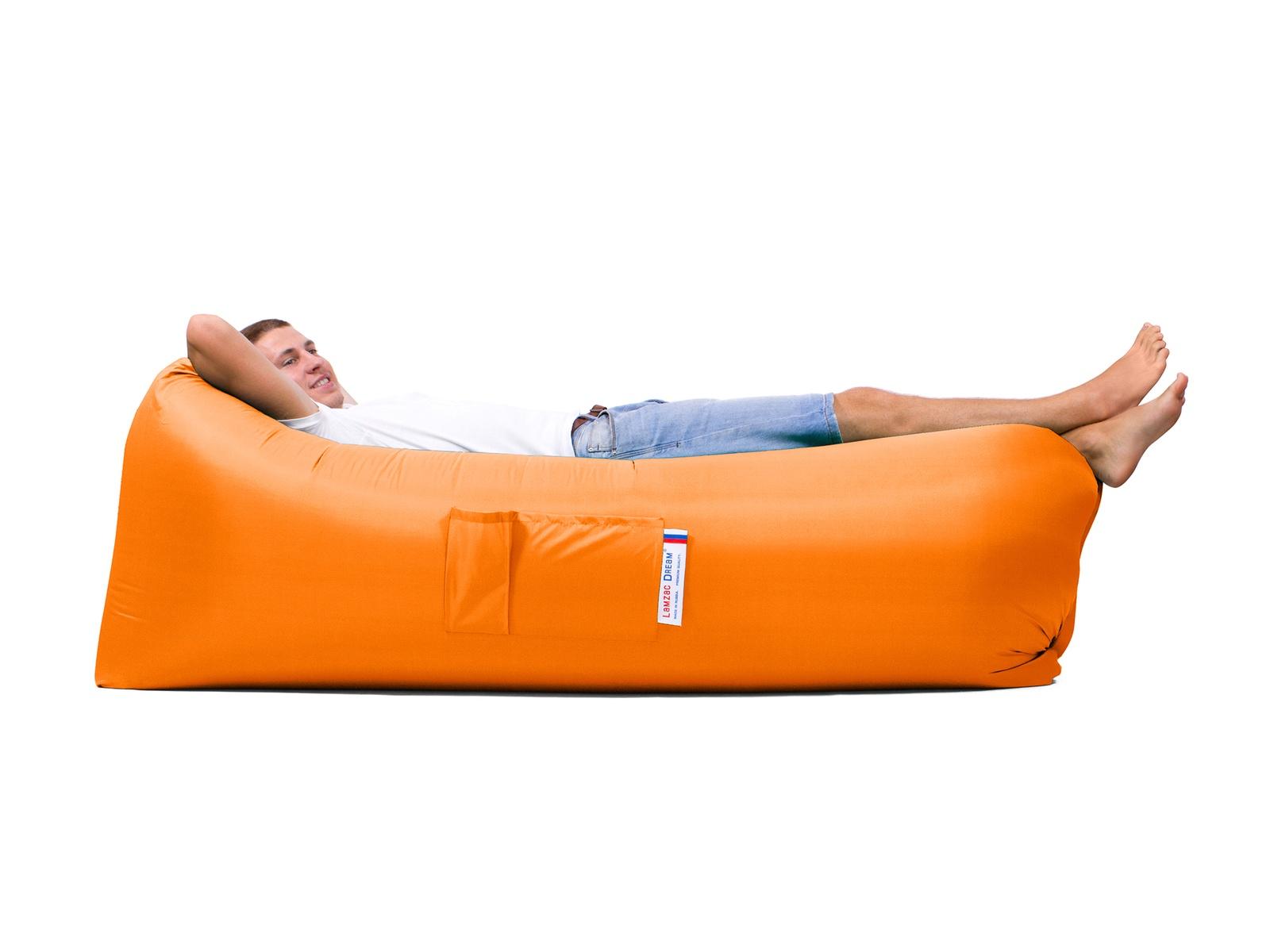 Кресло-шезлонг Lamzacdream Ламзак Комфорт, оранжевыйL-COMF-ORNЛамзак «Комфорт» отличается повышенной устойчивостью, комфортной формой подголовника, это новое слово в дизайне Ламзак, для тех, кто ценит все самое лучшее и современное. Надувной лежак имеет 2 кармана: большой и маленький, для бутылки, крючок с колышком для крепления надувного дивана при ветре. Выдерживает вес до 300кг. Максимальный размер надувного дивана в надутом состоянии 190-200см.