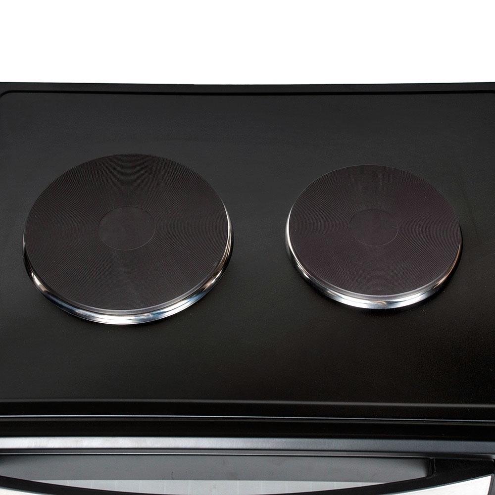 Мини-печь Endever Danko-4067, Danko 4067, серебристыйDanko 4067Нагревательные элементы из нержавеющей сталиДве независимые конфоркиИндикатор работы печиБольшая дверца и удобная ручка с декоративной стальной вставкойРегулировка температуры в диапазоне от 100°С до 250°СТаймер на 1 час с функцией автоотключения и звуковым сигналомЧетыре режима нагрева: верхний, нижний, двухсторонний, конвекцияВнутренняя подсветкаКомплект поставки:ПечьХромированная решеткаПротивеньУхват для противняВертел для гриляДержатель вертелаГарантийный талонРуководство по эксплуатацииГарантия 18 месяцевПечь Danko-4067 - многофункциональная духовка с внутренним объёмом 65 л, которая может полностью заменить встраиваемый духовой шкаф и электрическую плиту. С помощью этой модели можно приготовить блюда из мяса, рыбы, птицы, овощей, а также домашнюю выпечку. Рассматриваемая модель оснащена таймером на 60 минут. По истечении заданного времени включается звуковой сигнал. Температура регулируется от 100 до 250°С. Четыре режима нагрева(верхний, нижний, двухсторонний, конвекция) позволяют готовить самые разнообразные блюда, от деликатных до запечённых с хрустящей корочкой. В комплект входит хромированная решётка, вертел для приготовления хрустящих блюд и противень для запекания с ручкой. Прибор с внутренним освещением, имеет индикатор включения, который позволяет определять его активное состояние. Режим конвекция заменяет гриль, идеален для выпечки, обеспечивает равномерный нагрев.