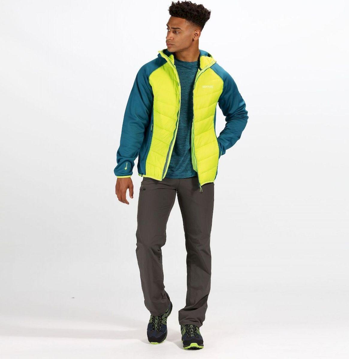 цена Куртка Regatta Andreson IV Hybrd онлайн в 2017 году