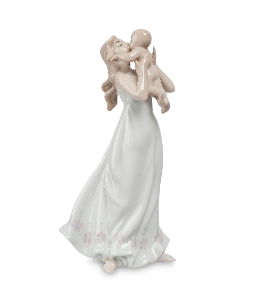 Фигурка декоративная Pavone Девушка с ребенкомJP-15/30, 104951104951Фигурка Девушки с ребёнком высотой 13 см. Где бы он ни был, куда бы его не отправила жизнь, с ним всегда будет кусочек души его мамы.