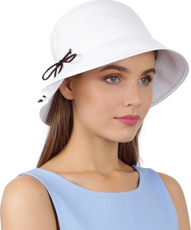 Шляпа женская Fabretti, цвет: белый. G72-4 white. Размер 58 смG72-4 whiteЛетний головной убор от итальянского бренда Fabretti прекрасно держит форму и позволяет коже головы дышать. Поля прекрасно подчеркнут контуры лица, а также защитят от лучей палящего солнца. Головной убор впишется в любой цветовой ансамбль, поэтому аксессуар не только защитит от жары и летнего зноя, но и сделает любой пляжный образ более стильным и выразительным. Размер регулируется с помощью внутренней утягивающей ленты, что позволит Вам не бояться морского бриза или легкого ветра.