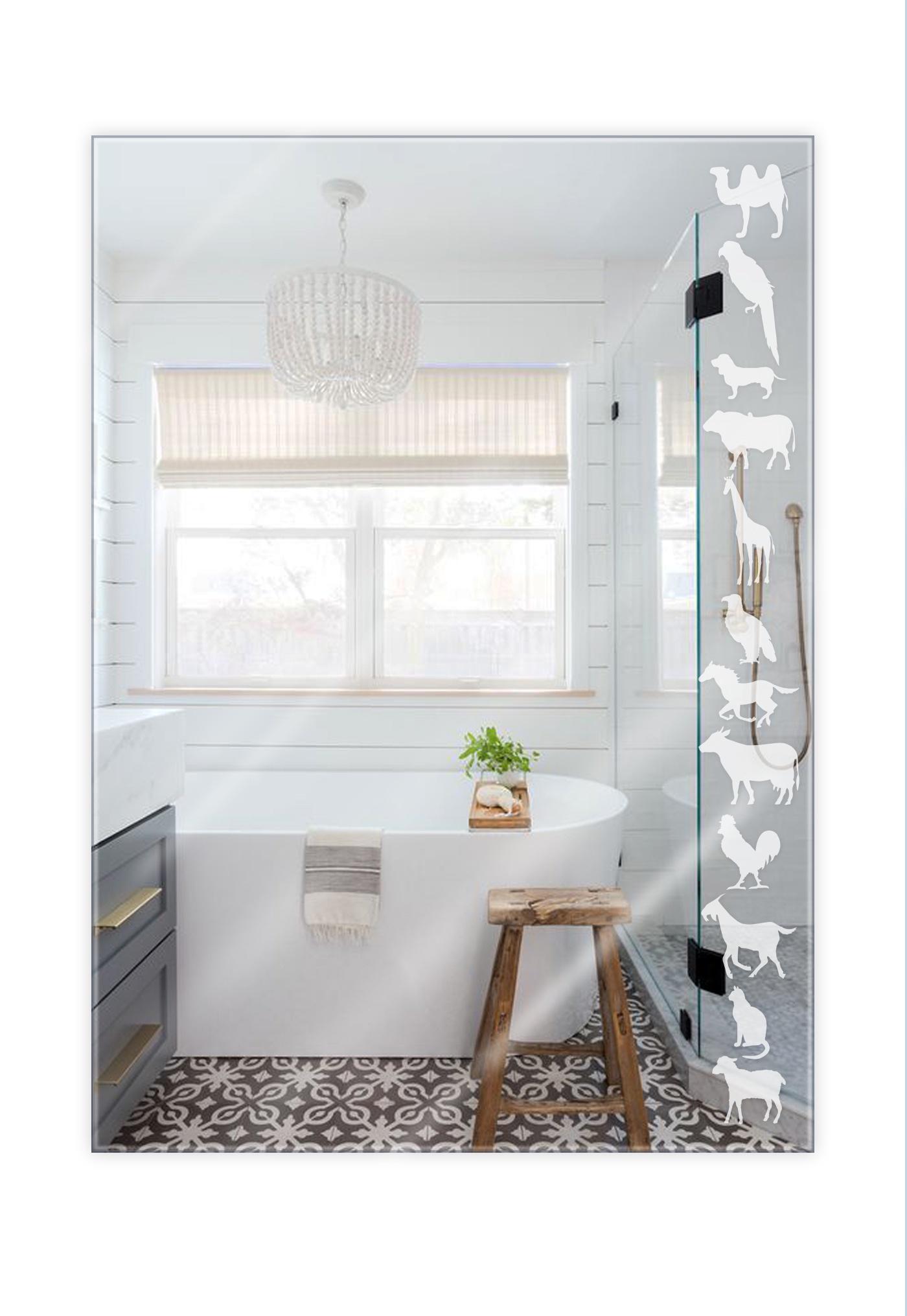 Зеркало интерьерное GoldBasket Animals, GB000374GB000374Зеркало с оригинальным рисунком животных отлично подойдёт для детской комнаты, для интерьера дачи или загородного дома и не только, размер 55 см на 40 см.Толщина зеркала 4мм толстое и прочное! Устойчиво к влаге подойдёт для ванны, так же в комплекте крепление и 2 дюбеля.
