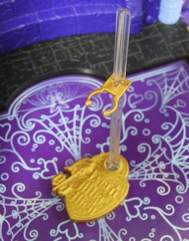 Аксессуар для кукол Mattel Подставка оригинальная Эвер Афтер Хай limpopo детская доска для рисования маркером ever after high mattel