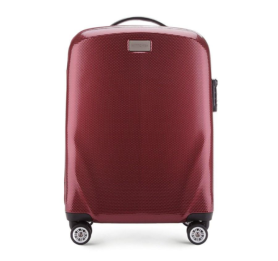 Чемодан WITTCHEN 56-3P-571, бордовый56-3P-571-35Большой чемодан на колёсах из коллекции PC Ultra Light бренда WITTCHEN сделан из ударопрочного поликарбоната . Чемодан имеет 4 колесика сделанные из пластика ABS с термопластичным покрытием. Для комфортной транспортировки у багажа имеется выдвижная ручка и две прорезиненные ручки для ношения в руке, сертифицированный кодовый замок TSA.