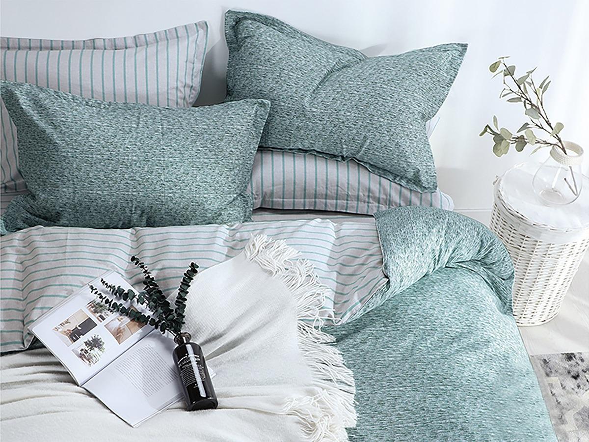 Комплект постельного белья Cleo Satin lux Реджелло, 15/328-SL, серый, голубой, 1,5-спальный, наволочки 70x70 постельное белье cleo satin lux 15 299 sl комплект 1 5 спальный сатин