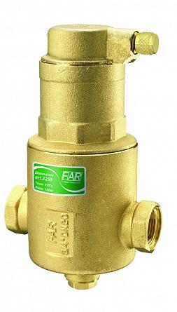 Арматура запорная FAR FA 2250 1FA 2250 1Воздухоотделитель предназначен для выделения и удаления пузырьков воздуха из воды циркулирующей в системах отопления и охлаждения. Воздух собирается в верхней части деаэратора и выводится автоматическим воздухоотводчиком. Внутренняя камера деаэратора, имеющая площадь поперечного сечения на порядок большую, чем площадь поперечного сечения подводки, уменьшает скорость потока, и с уменьшением силы сопротивления пузырьков, облегчает- ся отделение воздуха. В воздухоотделителе размещён такой же стержневой картридж. Вертикальные составляющие картриджа, расположенные поперёк набегающего потока действуют как барьер для пузырьков газа и гасят их ки-нетическую энергию. Этот эффект усиливается продольными желобками вер тикальных стержней картриджа, которые направляют пузырьки вверх. В верхней части деаэратора расположен автоматический воздухоотвод- чик с горизонтальным выпуском воздуха. До пуска системы в эксплуатацию крышку воздухоотводчика с каналом выпуска можно повернуть в пределах 360° в нужное направление, чтобы избежать опасных моментов при выпуске горячего пара из отверстия в процессе эксплуатации. Поворот делается без необходимости останавливать систему Максимальная рабочая температура. 110°С Максимальное рабочее давление.. 10 бар материал корпуса латунь CB 753 S катридж запатентован