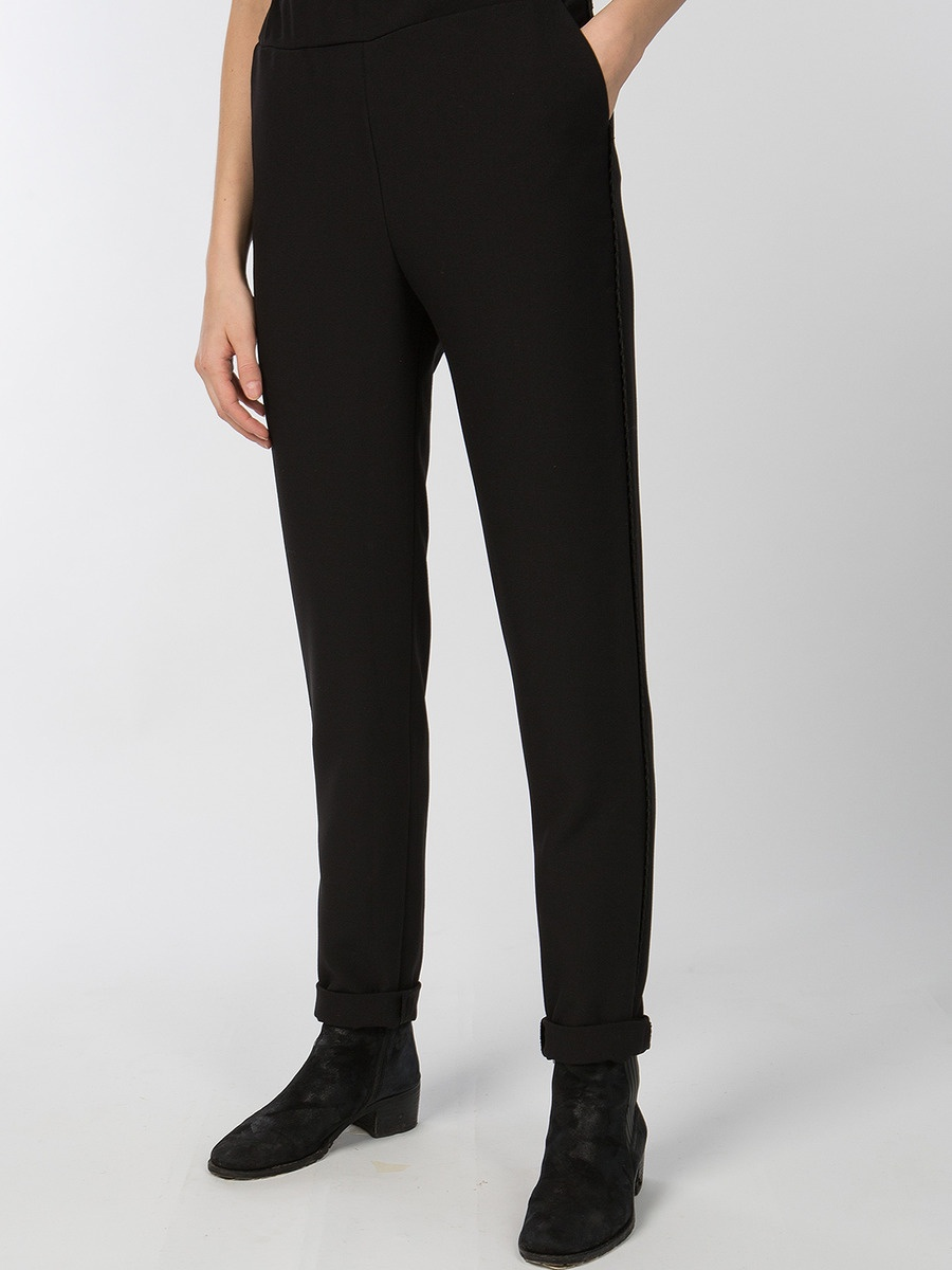 черные штаны картинки порядок шкафу одеждой