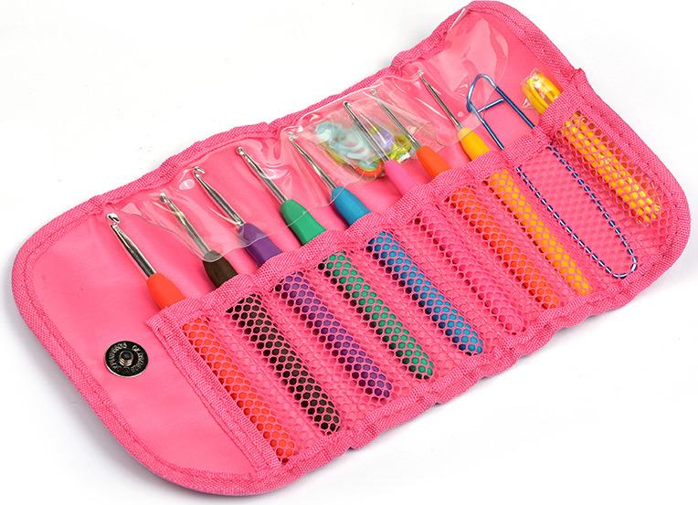 Набор Maxwell крючки для вязания, с эргономичными ручками, 2.5-6.0 мм + маркеры для вязания + иглы для сшивания + булавка петлесъемная, в органайзере цена