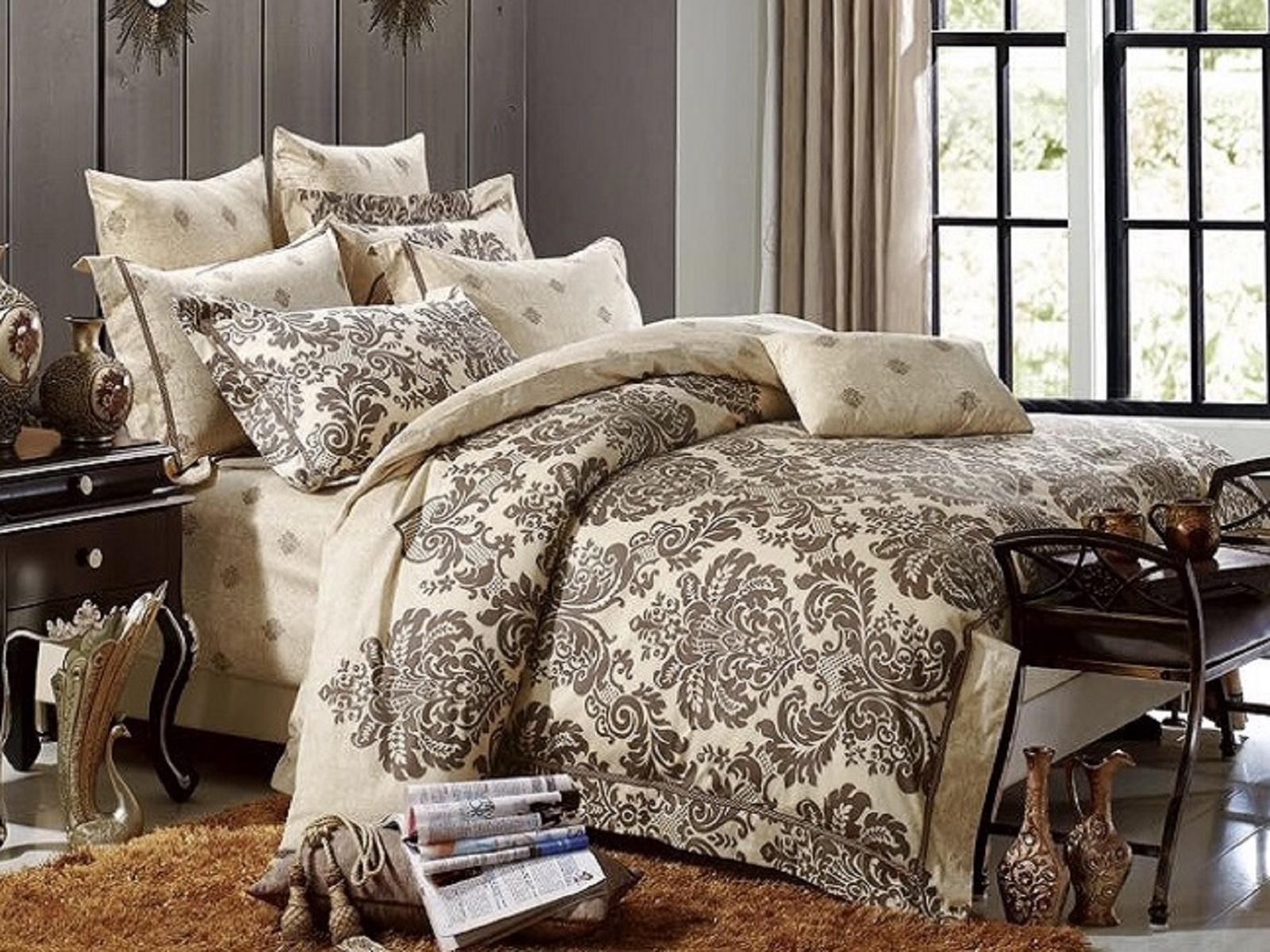 Комплект постельного белья DO&CO CARINO9408Новинки брендового постельного белья скрасят ваш сон и украсят постель. Натуральный хлопок, из которого изготовлена продукция, подарит мягкость и уют. Приобретаятекстиль, постельное белье Вы экономите свой семейный бюджет. В состав комплекта входит: пододеяльник, простынь и 4 наволочки, что очень порадует любителей подушек.