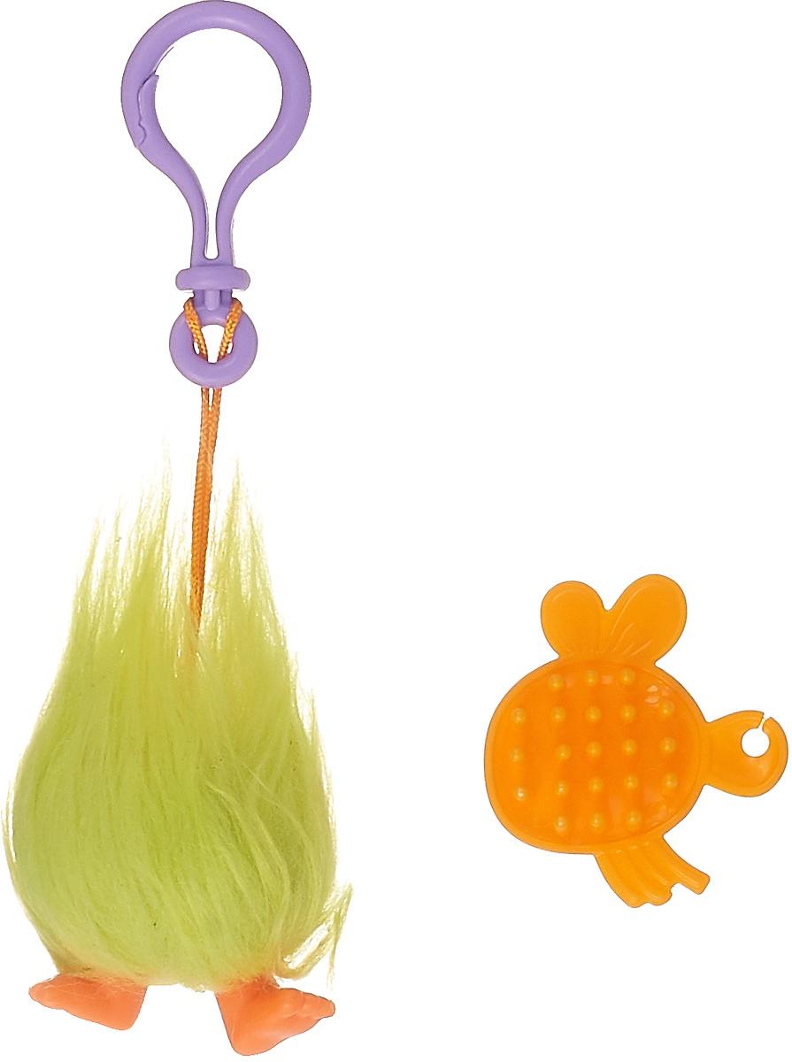 Брелок Zuru Тролль Fuzzbert, 6201, салатовый, оранжевый6201Фигурка-брелок из серии Тролли от компании Zuru обязательно понравится всем юным поклонникам популярного мультфильма. Данная фигурка-брелок отлично подходит для хранения связки ключей и мелких принадлежностей на цепочке.В комплекте данного набора есть расческа, с помощью которой ребенок сможет ухаживать за своим забавным любимцем.