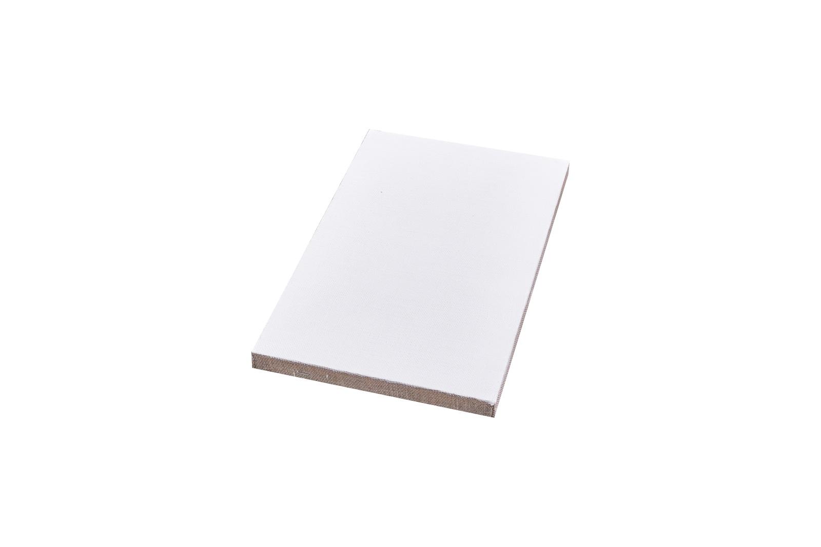 Холст Туюкан МелкозернистыйТ0003852Холст на подрамнике мелкозернистый компании «Туюкан» состоит из 100% льна, имеет гладкую фактуру и предназначен для масляной и акриловой живописи. Производится холст из льна высокого качества – прочные волокна устойчивы к механическим повреждениям, истиранию и деформациям, отлично выдерживают влажность и перепады температур. Кроме того, льняной холст не склонен к провисанию. Это значит, что спустя годы картина не потрескается, а цвет краски и ее качество останется неизменным. Неслучайно льняной холст считается «благородным» материалом в художественной традиции. Гладкая фактура льняной ткани позволяет накладывать один слой краски за другим, поэтому мелкозернистый холст так хорошо подходит для лессировочной техники. Такой тип холста предназначен для детальных проработок. Идеальный выбор для создания портретной живописи. Холст компании «Туюкан» имеет три слоя проклейки, а также два слоя эмульсионного грунта и полностью готов к работе. А благодаря модульному подрамнику любые искривления холста легко корректируются с помощью клиньев. Дополнительные характеристики: - плотность: 180г/м2; - фактура: полотняное переплетение; - размер: 70х90 см; - подрамник: сборный.