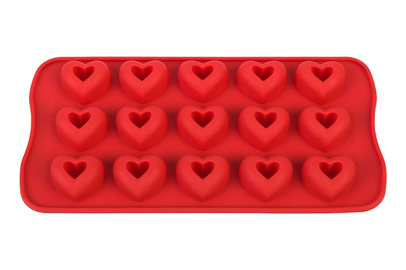 Форма для льда Elan Gallery Сердечки, красный590299Силиконовая форма для шоколадных конфет и льда «Сердечки» с выемкой выполнена из высококачественного силикона, проста в использовании и легко моется в посудомоечной машине. Силикон переносит температуру от — 40 до + 240, не впитывает запахи и к нему не прилипают готовые продукты. Форма рассчитана на 15 изделий. В серии форм представлены разные цвета, формы ячеек и их количество — каждая хозяйка сможет выбрать свою идеальную форму.