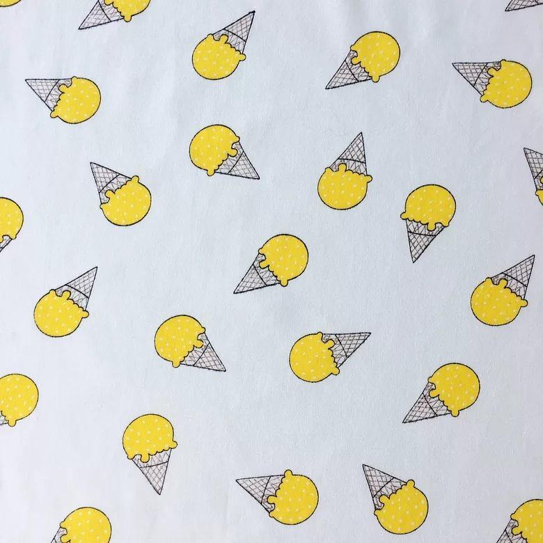 Ткань Vebertex Желтые мороженкиТК02387Ткань отлично подойдет для пэчворка, квилтинга, скрапбукинга, пошива детских и взрослых вещей, детского постельного белья, бортиков в кроватку, конвертов на выписку, вигвамов (типи), штор, букв-подушек, кукол и других принадлежностей для наполнения детской кроватки и детской комнаты.Ткань дает минимальную усадку (до 3-5%).Краска (цвет) не вымывается, не тускнеет при правильном уходе.Рисунок четко пропечатан.Сминаемость умеренная.Полотно тонкое, плотное.Нити без зазоров плотно прилегают друг к другу.Длина 100смШирина 150см