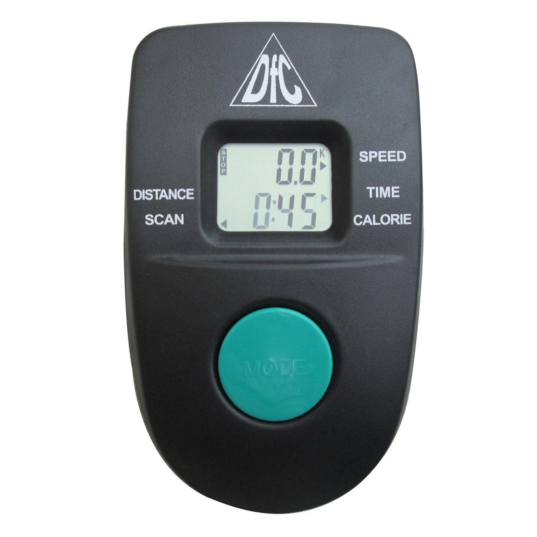 Эллиптический тренажер DfcE8.2AE8.2AСреднегабаритный эллиптический тренажер для домашнего использования.Сиденье на данной модели позволяет заниматься как на велотренажере, регулируется по высоте.Тренажер имеет ременную систему нагружения с ручной регулировкой с помощью рукоятки на корпусе тренажера - чем сильнее затянут ремень, тем тяжелее крутить педали.Консоль с LCD-экраном отображает основные параметры тренировки, питание от 2 батареек тип АА (входят в комплект).Большие педали с нескользящим покрытием и бортиком по краям.Тип домашний с передним расположением маховикаСистема нагружения ременнаяКоличество уровней нагрузки бесступенчатаяРегулировка нагрузки механическаяМасса маховика 5 кгМаксимальный вес пользователя 100 кгДлина шага 29 смИзменение угла наклона нетПедали широкие, удлиненные, с рифленым покрытиемПедальный узел однокомпонентный шатунСиденье широкое, с регулировкой по высотеИзмерение пульса нетНагрудный кардиопояс DFC W117 (опция, приобретается отдельно)Дисплей монохромный LCD с подсветкойПоказания консоли скан, время, расстояние, скорость, калорииЯзык интерфейса английскийКоличество программ нетДержатель для бутылки нетТранспортировочные ролики естьКомпенсаторы неровностей пола нетРазмер в рабочем положении 93 х 67 х 163 смСкладывание нетРазмер упаковки 100 х 23 х 67 смВес (нетто/брутто) 26 / 27,8 кгПитание консоли 2 батарейки тип АА