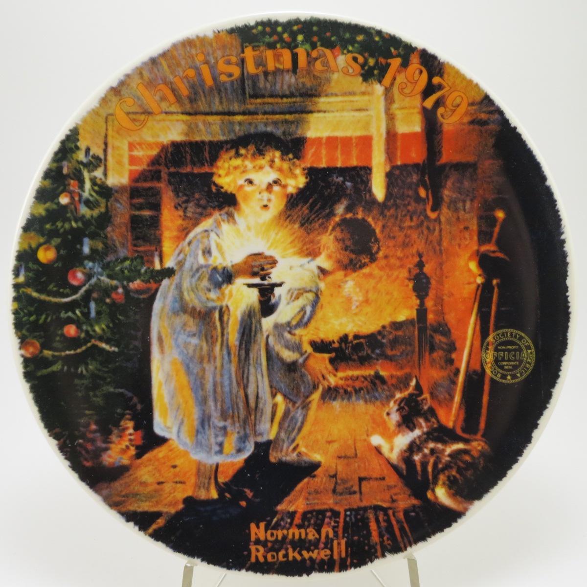 """Декоративная тарелка Edwin M.Knowles China Company """"Новогодняя серия: Рождество 1979 -Там кто-то есть"""". Фарфор, деколь. США,  Норман Роквелл, 1979, Фарфор"""