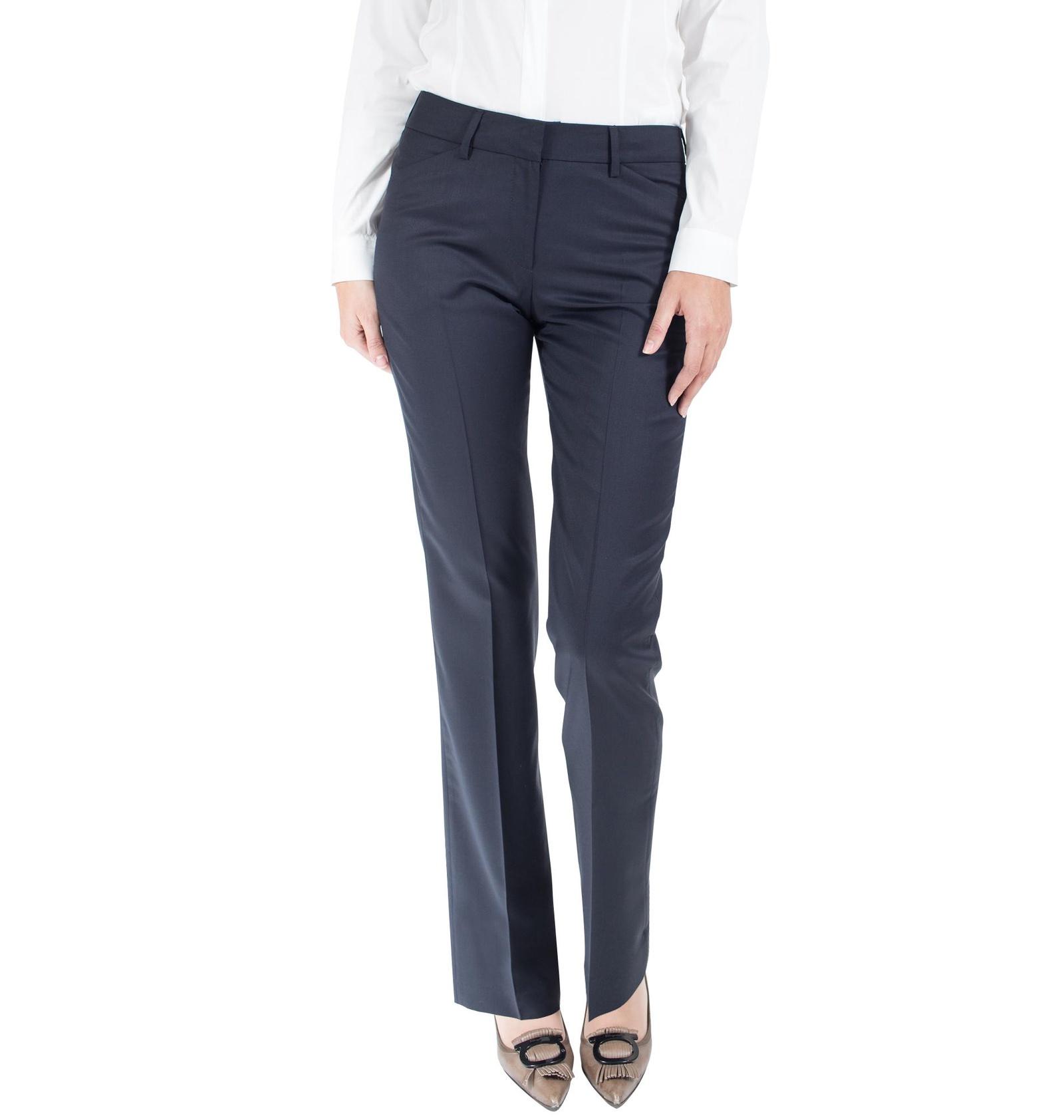 Брюки Colletto Bianco, синий 46 размер400182 CB 46 170Классические брюки из 100% шерсти от Marzotto.Комфортная посадка достигается за счет био-стретча (специальной крутки шерстяной нити).Крой немного заужен к низу, придает стройность и делает эти брюки универсальными.
