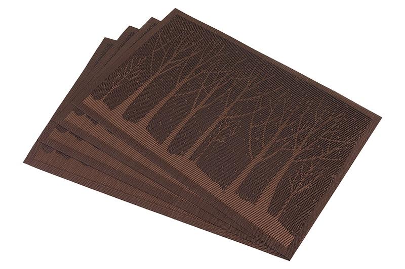 Салфетка столовая Elan Gallery Лес, коричневый171825Набор из 4 салфеток для стола размером 45х30 см различных цветов и рисунков выполнен из качественного материала, который не пропускает крошки и бережет покрытие стола от горячих предметов. Салфетки эстетично смотрятся на столе и прослужат долго. С них легко смывать любые загрязнения.
