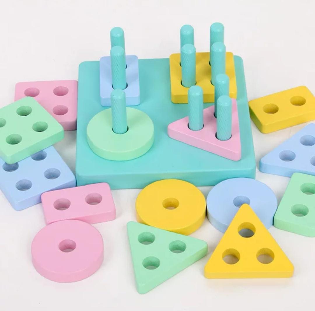 Сортер BeeZee Toys Пирамидка-головоломка Цвета и формы, геометрические блоки Монтессори, обучающая игра разноцветный