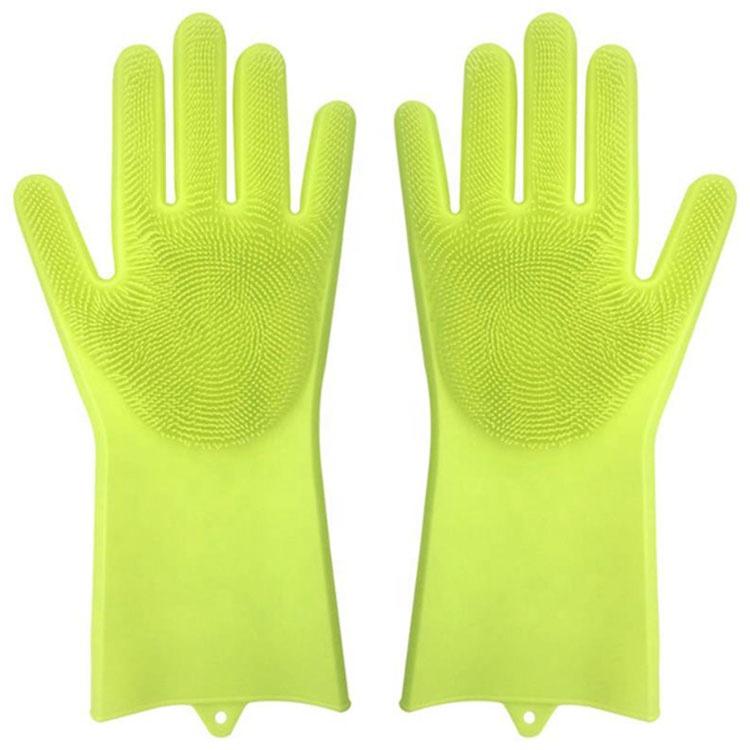 Перчатки хозяйственные MARKETHOT Z05058, салатовыйZ05058Данные перчатки расчитаны на отмывание продуктов, но также отлично подойдут для мытья раковин, кранов и других кухонных принадлежностей.Конечно же ключевой особенностью перчаток являются их силиконовые ворсинки, которые образуют большое количество пены во время мытья, тем самым тщательно отмывая посуду любой степени загрязненности и жирности. Плотно расположенные щетинки без труда проникают в каждое место, вымывая загрязнения.Силикон из которого изготовлены перчатки выполнен из специального высокопрочного термостойкого состава, способствующего пользоваться перчатками даже в горячей воде довольно продолжительное время.В производстве перчаток используются исключительно экологичные, гипоаллергенные материалы.Испытайте многофункциональные перчатки и забудьте о неудобных щетках и губках, которые уже давно можно назвать неэффективными и устаревшими.Шагайте в ногу со временем и тратьте на мытье гораздо меньшее количество времени в перчатками щетками