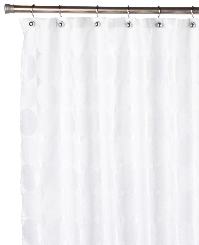 Штора для ванной Carnation Home Fashions Jacquard White Circle, белыйFSCJAC/21Однотонная шторка из ткани, имитирующей жаккард, привнесет в Вашу ванную комнату атмосферу строгости и элегантности. Шторка изготовлена из ткани с водоотталкивающей пропиткой. ВНИМАНИЕ: кольца (крючки) в комплект не входят, а приобретаются отдельно.
