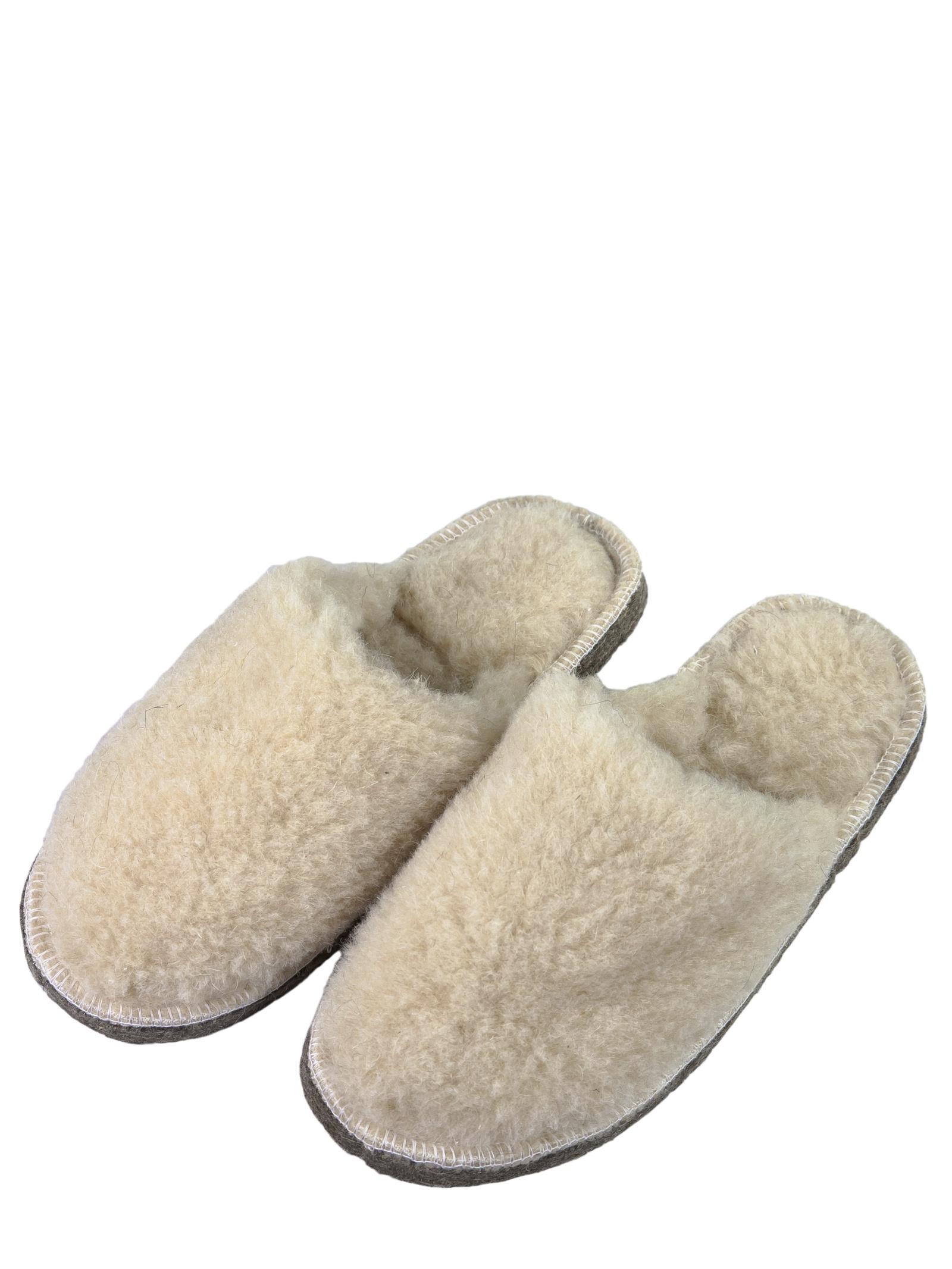 Тапочки Пумка, бежевый 45/46 размерПУМ-Тапочки008-45-46Тапочки меховые, с подошвой из 100% войлока, прошитые, с закрытым мысом и открытой пяткой.