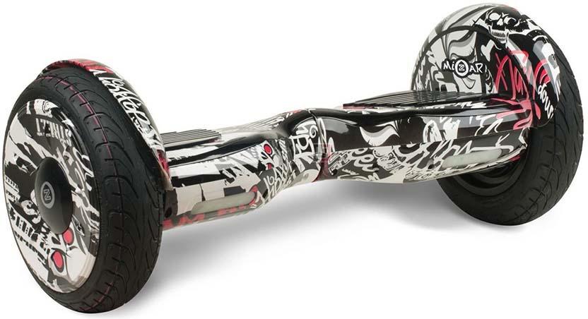 Гироскутер Mizar 10,5, MZ10,5SN, черный, белыйMZ10,5SNВНИМАНИЕ!!! УСТРОЙСТВО РАБОТАЕТ ПРИ МИНИМАЛЬНОМ ВЕСЕ ПОЛЬЗОВАТЕЛЯ ОТ 20 КИЛОГРАММ. Гироскутер MIZAR модель 10,5 это последнее слово в мире мобильного электротранспорта. Он имеет четкое управление, моментальный отклик датчиков на педалях и увеличенную скорость до 12 км/ч. На одном заряде батареи гироскутер MIZAR модель 10,5 проедет до 12 км. Так же гаджет оснащен Bluetooth технологией, самобалансом и очень хорошей колонкой, просто подключите ваш гаджет к устройству и наслаждайтесь любимой музыкой на полную мощность!!! Обтекаемые формы и оригинальный дизайн гироскутера MIZAR модель 10,5 говорят о его маневренности и скорости. В комплекте идет сумка для переноски устройства, что очень удобно в использования. Яркие педали управления так и просят райдера начать движение на мощном устройстве. Гироскутер MIZAR модель 10,5 это всегда гарантия качества, и залог хорошего настроения! Рекомендуем!