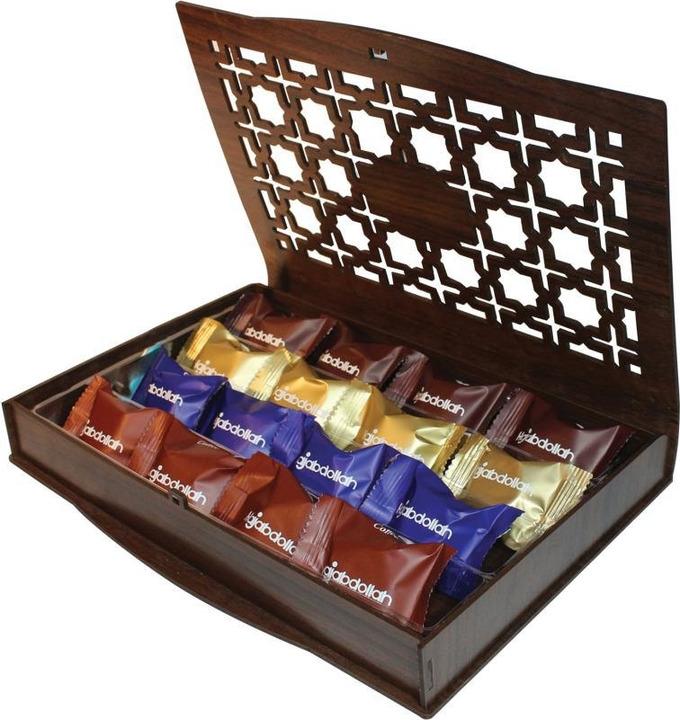Купить Конфеты из пашмалы Hajabdollah ассорти со вкусом горького шоколада, ванили и капучино в шоколадной глазури и вкусом корицы в белой глазури, 200 г на XWAP.SU