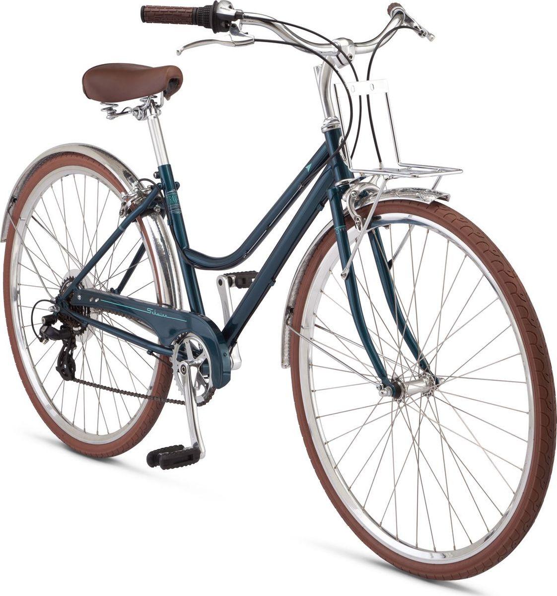 Велосипед городской Schwinn Traveler Women, колесо 28, голубойS32107F20Traveler Woman Легкие, как будто воздушные обводы рамы Traveler Woman не оставят равнодушным ни одну любительницу стиля и практичности. Этот велосипед сделает любую поездку чуточку утонченнее и благороднее, дополнив ее своим аристократическим присутствием. Строгие формы и лазурный оттенок рамы выдают в нем настоящего аристократа среди остальных велосипедов: коричневая фурнитура оттеняет и добавляет шарма в общий облик байка тесно связанного с прошлым. Подпружиненное седло и изогнутый руль регулируются по высоте и наклону, добавляя комфорта любой поездке. Заниженная рама позволяет легко сесть и спрыгнуть с велосипеда, а так же кататься в длинных платьях или сарафанах. Полноразмерные хромированные крылья и защита цепи в цвет рамы защитят одежду от загрязнения, а складная подножка позволит легко припарковать этого учтивого джентльмена. • Прочная стальная рама • Переключатели Shimano Altus, 7 скоростей • Ободные тормоза • Руль и седло регулируется по высоте и наклону • Подпружиненное седло • Полноразмерная защита цепи • Полноразмерные крылья • Передний багажник • Подножка в комплекте Крупногабаритный товар.