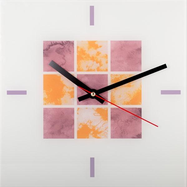 Настенные часы Дубравия АбстракцияKD-038-003Стильные настенные часы с красивым внешним оформлением. Часы имеют три стрелки- часовую, минутную, секундную. Часовой механизм сзади закрыт пластиковым корпусом. Предусмотрено отверстие для крепления на стену. Часы выполнены из стекла. Дизайнерское решение, отличное качество исполнения придутся по вкусу каждому.