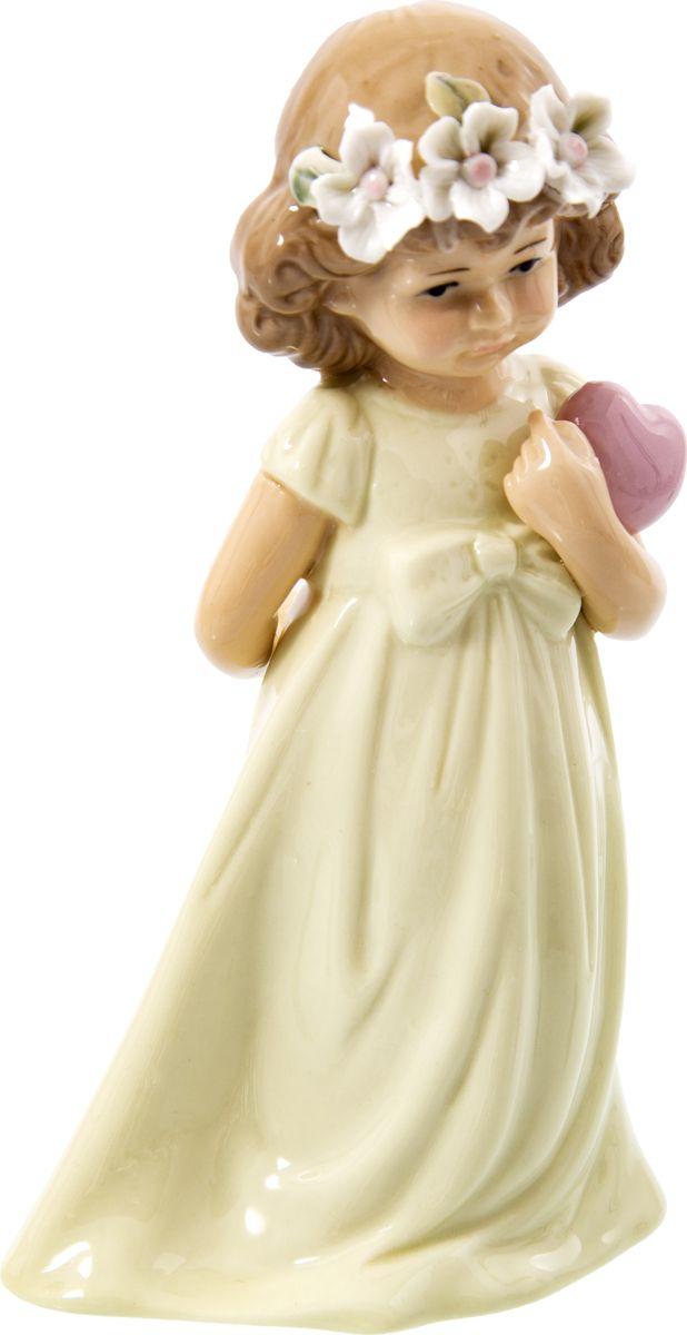 Статуэтка Русские подарки Девочка, 110822, белый, 8 х 10 х 17 см игрушка ёлочная русские подарки зимние мотивы олень 8 х 1 х 8 см