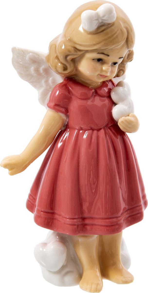 Статуэтка Русские подарки Девочка, 110818, красный, 6 х 8 х 14 см игрушка ёлочная русские подарки зимние мотивы олень 8 х 1 х 8 см
