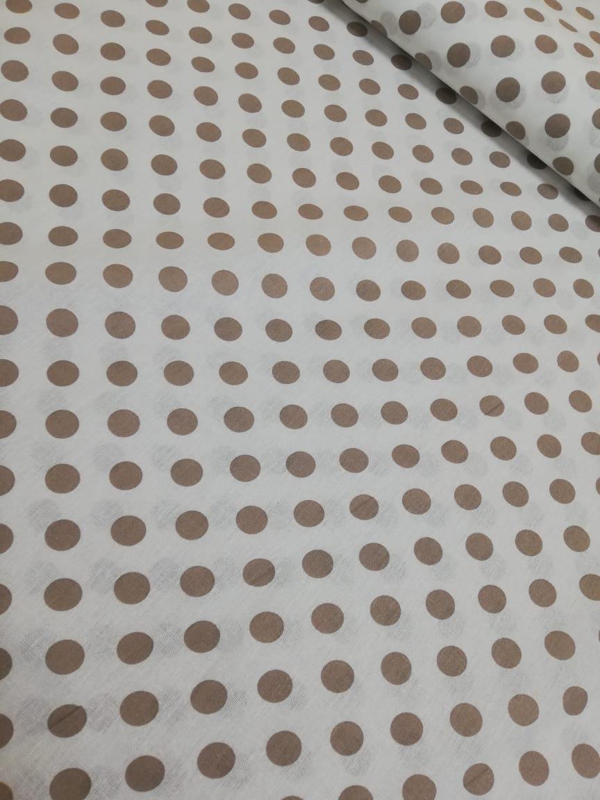Ткань Vebertex коричневый горох крупныйТК0265875Ткань отлично подойдет для пэчворка, квилтинга, скрапбукинга, пошива детских и взрослых вещей, детского постельного белья, бортиков в кроватку, конвертов на выписку, вигвамов (типи), штор, букв-подушек, кукол и других принадлежностей для наполнения детской кроватки и детской комнаты.Ткань дает минимальную усадку (до 3-5%).Краска (цвет) не вымывается, не тускнеет при правильном уходе.Рисунок четко пропечатан.Сминаемость умеренная.Полотно тонкое, плотное.Нити без зазоров плотно прилегают друг к другу.Длина 100смШирина 150см