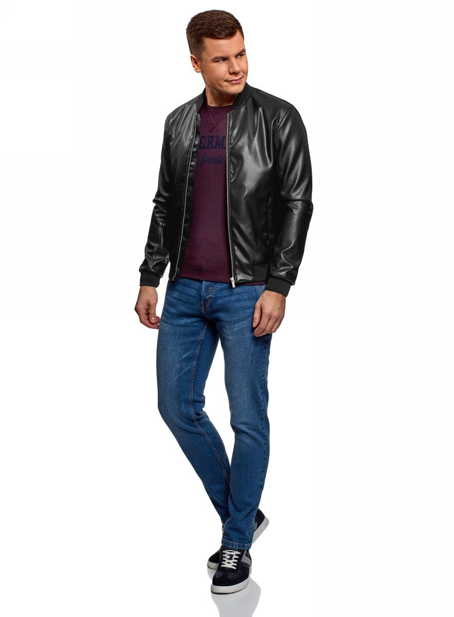 Куртка мужская oodji, цвет: черный. 1L511064M/48967N/2900N. Размер XL (56)1L511064M/48967N/2900NСтильная куртка из искусственной кожи с трикотажными элементами и застежкой на молнию. Манжеты, воротник и низ оформлены плотными трикотажными вставками. Сочетание разных по фактуре материалов смотрится в этой модели стильно и динамично. Искусственная кожа внешне не отличается от натуральной кожи, но при этом обладает лучшей износостойкостью и практична в использовании. Куртка приталенного силуэта хорошо смотрится на фигуре. Кожаная куртка – прекрасная альтернатива джинсовой куртке, ветровке или стеганому жилету. Она незаменима для вашего повседневного гардероба в ветреную и прохладную погоду. Вы можете использовать ее в различных ситуациях: надеть на работу, свидание, в кино или на вечеринку. Эта модель одинаково хорошо сочетается с джинсами и чиносами, с вельветовыми брюками и классическими моделями. Под куртку вы можете надеть рубашку, футболку или джемпер. Практичная и универсальная кожаная куртка для ваших эффектных образов!