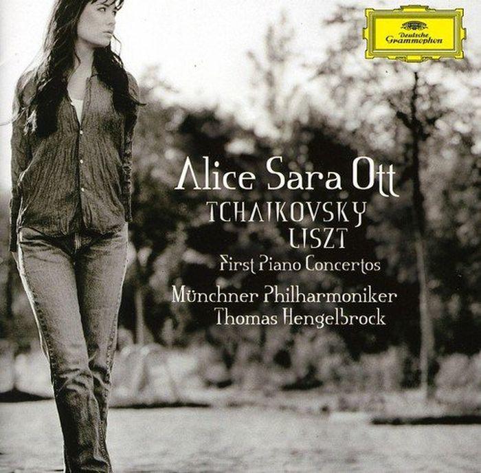 Alice Sara Ott. Tchaikovsky, Liszt: First Piano Concertos