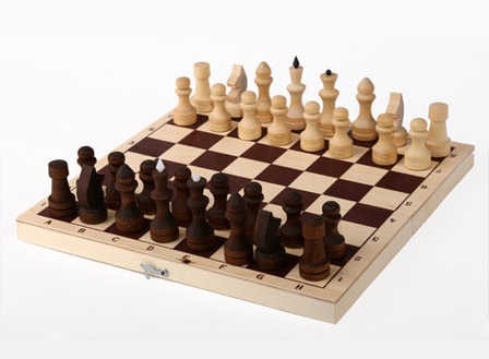 Шахматы Орловская ладья обиходные парафинированные в комплекте с доской (без подклейки) (Орлов) шахматы орловская ладья походные орлов