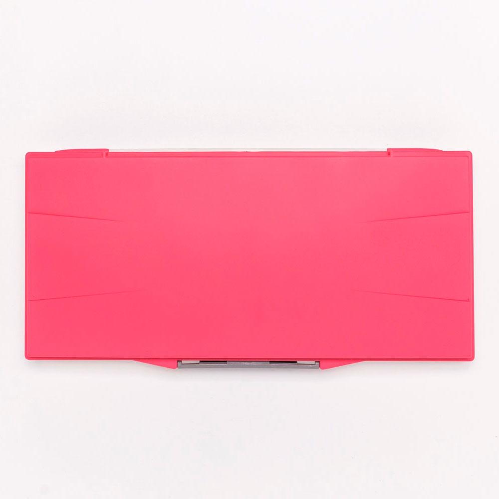 Палитра Малевичъ для акварели профессиональная герметичная, 23 ячейки, красная, 15,8х32 см