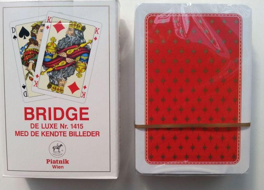 Игральные карты Piatnik Карты игральные профессиональные Бридж De Luxe, 55 карт, красный цвет белый, красный карты игральные профессиональные piatnik rosette 56 карт