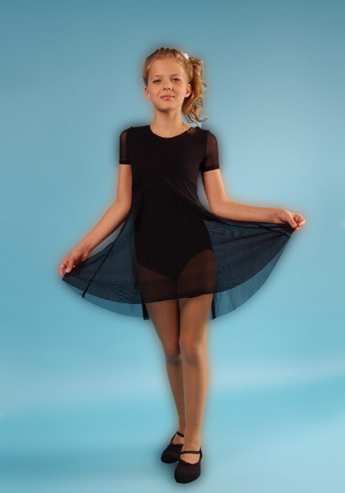 членом гимнастка в мини платье общем