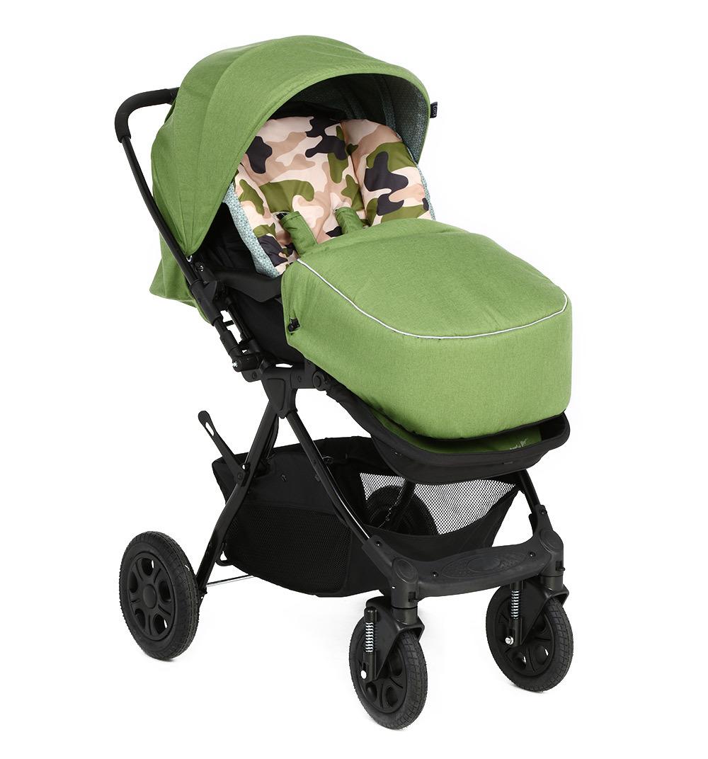 Коляска прогулочная Corol, L-10, зеленыйL-10Прогулочная коляска Corol L-10 – маневренная модель с высокой проходимостью и функционалом для комфорта ребенка. Она подходит детям возрастом от 6 месяцев и до трех лет. Рама при малом весе свободно выдержит 3-летнего ребенка. Она складывается по системе книжка, что позволяет поместить ее в багажник автомобиля. Характеристики: Колеса поворотные, с функцией фиксации. Это повышает маневренность, удобство управления одной рукой. Резиновые колеса, обеспечивающие тихий и мягкий ход. Перекидная ручка позволит менять направление положения блока, что оградит ребенка от встречного ветра и солнца. Тормоз не даст коляске скатиться с наклона. Пружинные амортизаторы исключат тряску при езде и обеспечат плавный ход коляски. Прогулочный блок с просторным креслом, адаптированным для комфорта малыша. Для его безопасности предусмотрены 5-точечные ремни, фиксирующие его в кресле и не позволяющие выпасть. Регулируемая подножка со спинкой позволяют создать удобные позиции для малыша. Они раскладываются до горизонтального положения и создают спальное место. Съемный бампер с мягкой накладкой обеспечивает дополнительную безопасность. Большой капюшон раскладывается до самого бампера и защищает от ветра, солнца. Он оснащен окошком для присмотра за ребенком.