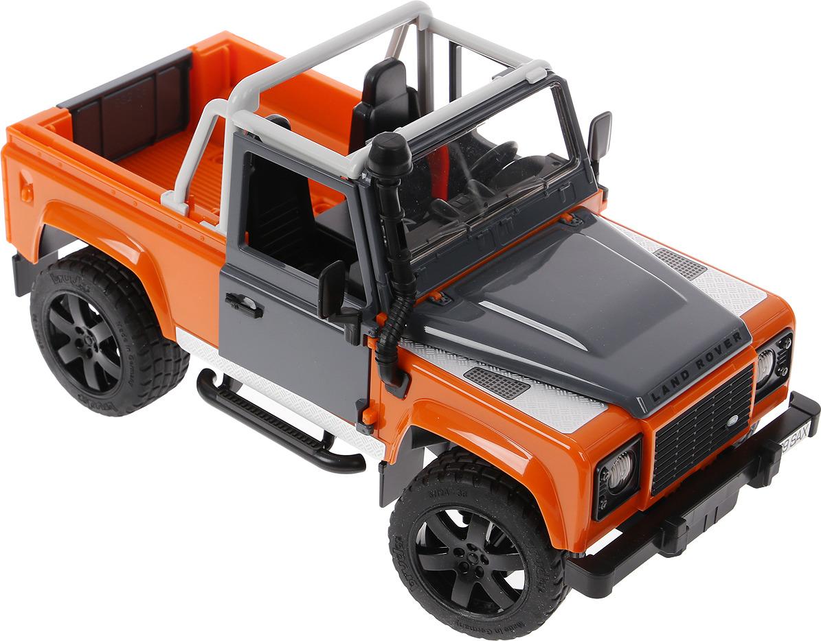 цена на Bruder Внедорожник Land Rover Defender, цвет в ассортименте