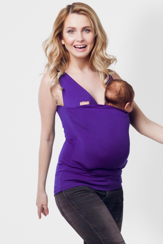 Слингомайка Panga, фиолетовый 50 размерpngbasicpurple-LPanga Basic самая универсальная модель слингомайки. Удобно сочетать с любой одеждой. Слингомайка это помощник маме на каждый день. Основная ее функция это правильная адаптация малыша и помощь маме в быту. Любая мама может использовать слингомайку с самого рождения малыша. Она освободит вам руки и поможет успокоить новорожденного. Запатентованная конструкция помогает просто и легко использовать слингомайку. По статистике только 30% мам после покупки слинга им пользуется. Обычный слинг может быть небезопасным в использовании, так же как слингомайки с лопастями. Неверная замотка и отсутствие точек фиксаций приводит к неправильному положению малыша. Слингомайка одобрена врачами-ортопедами и неонатолагами. Международный Институт дисплазии (IHDI) признал Слингомайку Panga, как продукт рекомендованный для профилактики дисплазии у новорожденных детей. В ней полезно и безопасно носить малыша. А еще она: Освободит вам руки Является правильной переноской для малыша. Продукция прошла сертификацию, имеет патент и одобрена врачами. Поможет успокоить ребенка. В слингомайке малыш вспоминает время, когда он был у вас в животе. Он чувствует себя безопасно: стук вашего сердца и родной запах быстро убаюкивают. Облегчит ему колики. Слингомайка в этом случае работает как грелка. Тепло вашего тела облегчает состояние. И малышу становится легче. Ношение в ней в М-позиции является профилактикой дисплазии. К слингомайке идет инструкция, в которой подробно написано, как укладывать малыша, как достичь п...