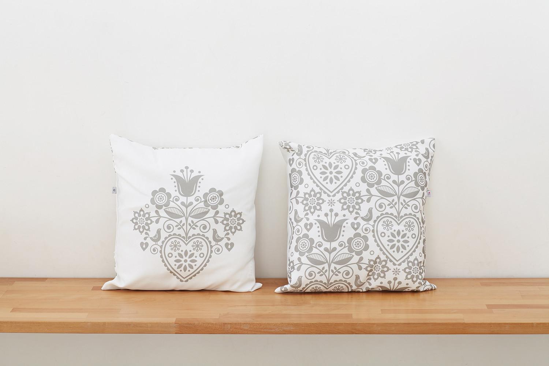 Подушка декоративная IQ Komfort 1713268 диванная подушка getuback emoji si020